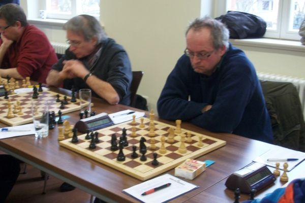 Der Punktemacher unserer 2. Mannschaft Joachim Kaiser plant bereits einen messerscharfen Angriff...