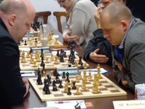 Dmitry mit Weiß an Brett 4