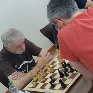 Meister Z und Martin Gebigke. 2 hochaktive Berliner Teilnehmer, die sicherlich noch längst nicht ihr letztes Duell gespielt haben. Dieses Mal behielt Martin (mit dem Rücken zum Bild) die Oberhand.